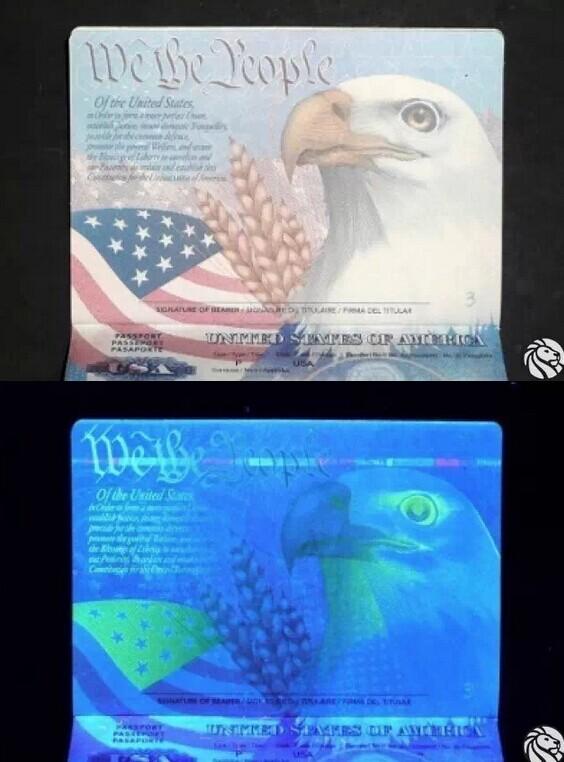 先看美国护照,翻开首页就是美国国歌《星条旗永不落